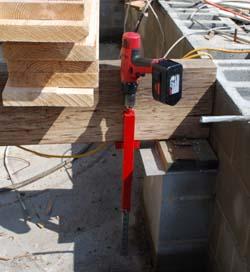 Deck Devil lifting a beam precisely