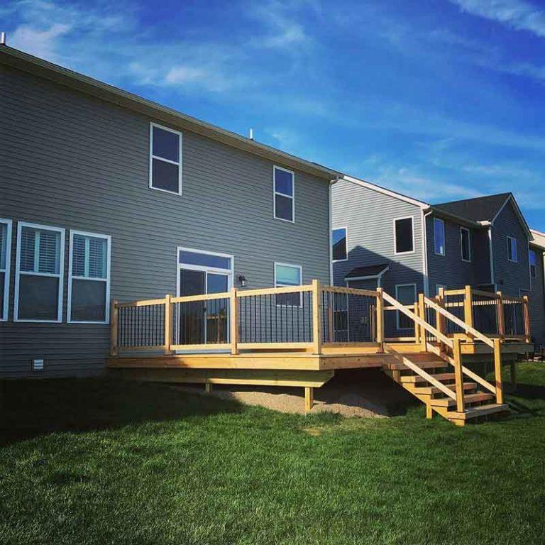 Michigan cedar deck with Snap Lock Balusters